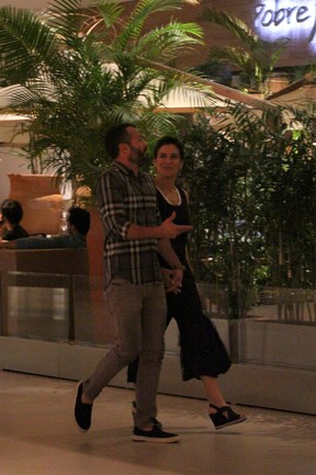 Kyra Gracie e Malvino Salvador em shopping na Zona Oeste do Rio (Foto: Fábio Moreno/ Ag. News)