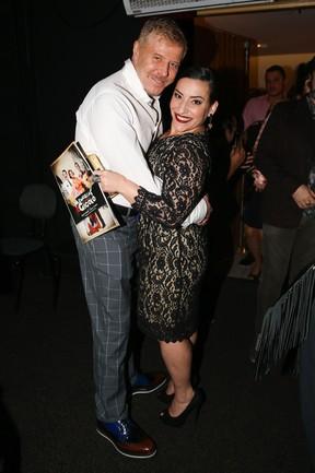 Miguel Falabella e Simone Gutierrez em estreia de musical em São Paulo (Foto: Manuela Scarpa e Marcos Ribas/ Foto Rio News)
