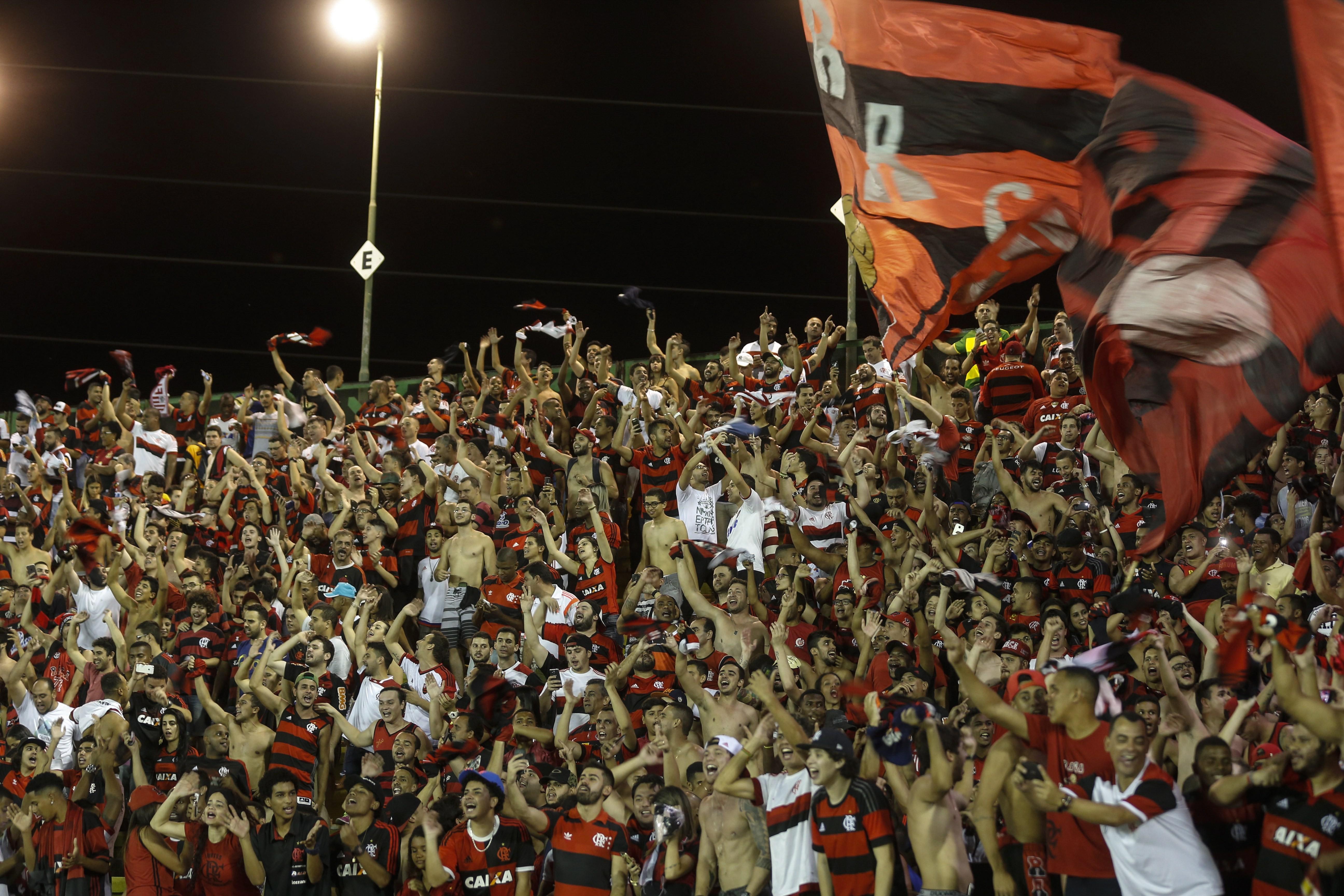 Torcida do Flamengo no Raulino de Oliveira, em Volta Redonda