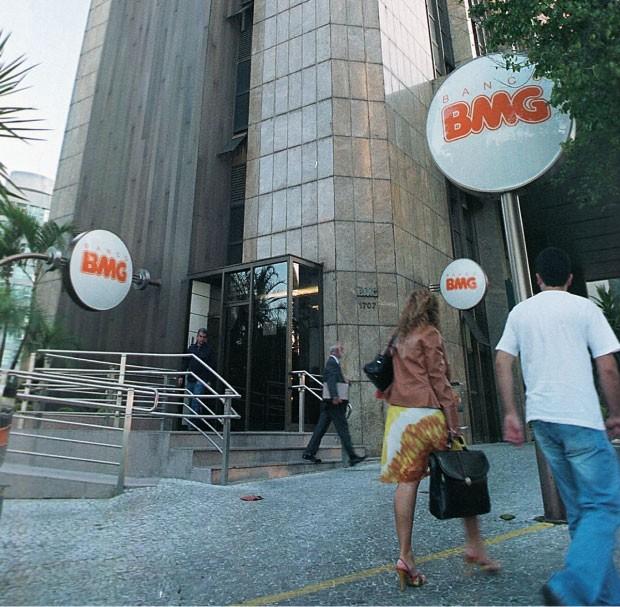 O EXCLUÍDO Sede do BMG  em Belo Horizonte, Minas Gerais. Segundo a PF, o  banco participou do mensalão. Depois, obteve negócios no governo  (Foto: Beto Novaes)