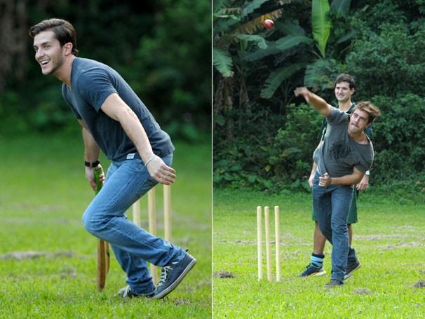 Os atores aprenderam as regras do esporte, famoso na Inglaterra (Foto: João Cotta / TV Globo)