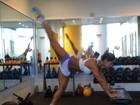Mayra Cardi mostra exercício: 'Bunda com variação de peito!'