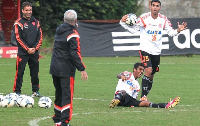 Gabriel e Fernando Treino Flamengo bola (Foto: Gilvan de Souza / Flamengo)