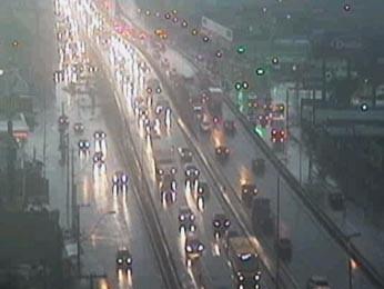 BR-116 com chuva no começo da manhã desta quarta-feira no RS (Foto: Reprodução/RBS TV)