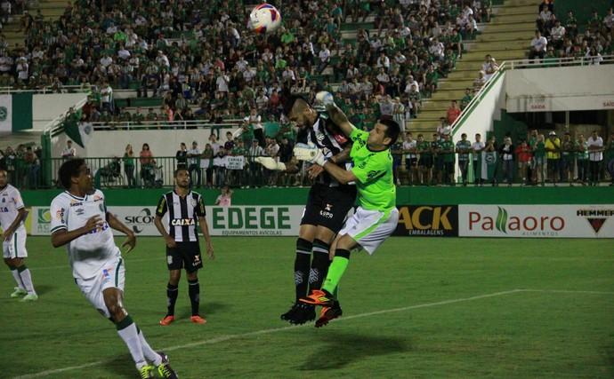 chapecoense figueirense nivaldo marquinhos (Foto: Cleberson Silva / Chapecoense)