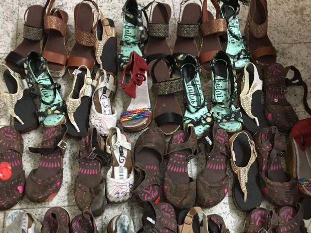 Estrangeira tentou embarcar com 21 pares de sapatos recheados com drogas no Aeroporto de Cumbica, em Guarulhos, na quinta-feira (3) (Foto: Divulgação/Polícia Federal)