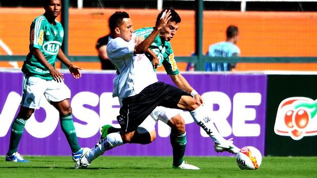 jogo Palmeiras x Bragantino saida de bola (Foto: Marcos Ribolli / Globoesporte.com)