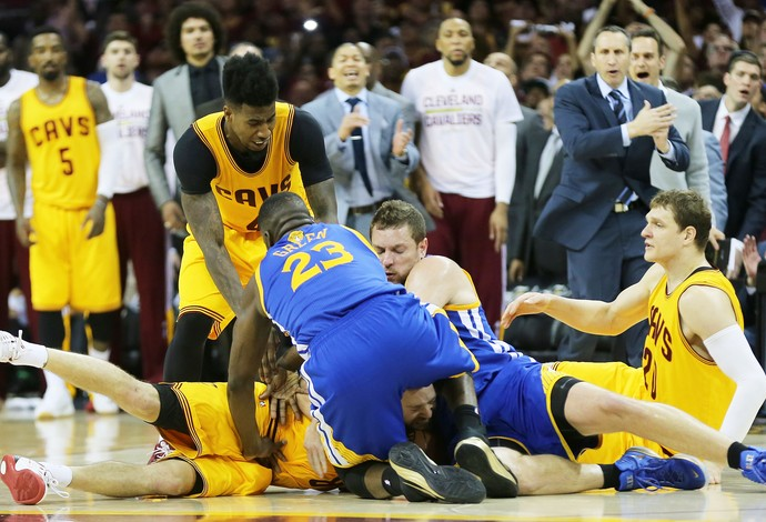 Green, Shumpert, Dellavedova, Mozgov, jogo 3 Cleveland Cavaliers x Golden State Warriors nba basquete (Foto: Getty Images)