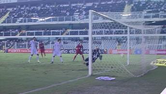 Santos 0 x 1 Internacional pelo Brasileirão