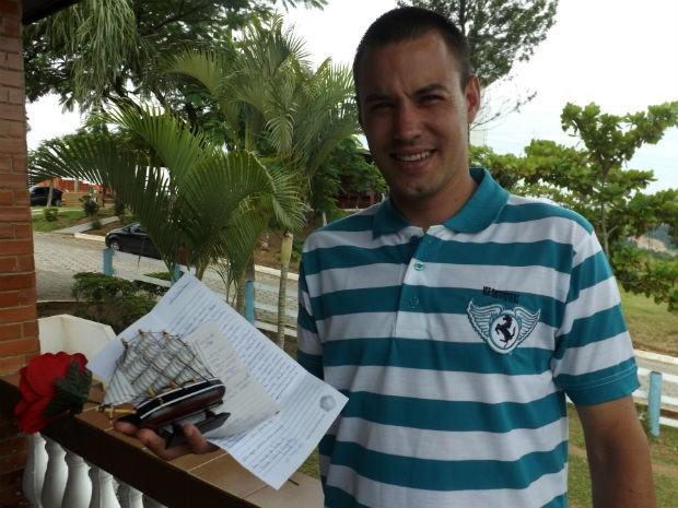 """Rafael Nunes acha """"estranho"""" ser conhecido como 'Mendigo Gato'  (Foto: Natália de Oliveira/G1)"""