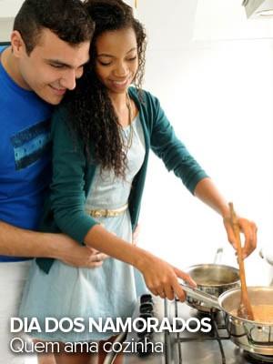 Ele cozinha para ela e ela, para ele; nutricionista avalia os pratos (Alexandre Durão/G1)