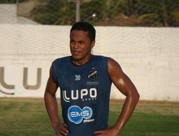 Elielton atuou como titular em apenas 4 jogos (Foto: ABC/Divulgação)