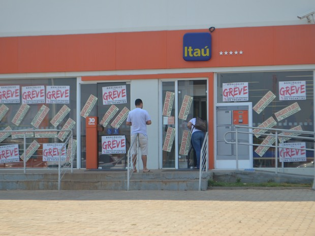 Sem acordo, bancos mantém greve por tempo indeterminado  (Foto: Sintec/Divulgação)
