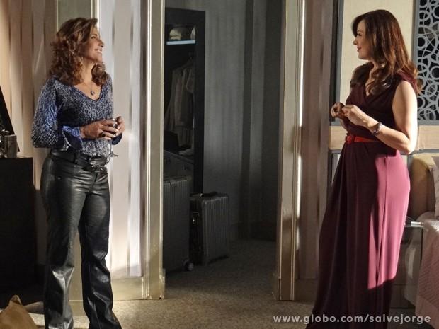 Lívia quer encontrar Rosângela para dar um recado (Foto: Salve Jorge/TV Globo)