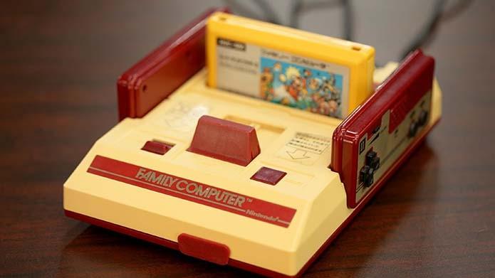 Cores do Famicom foram escolha estratégica (Foto: Reprodução/VGFacts)
