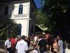 Estação do trem para chegara ao Corcovado tem grande movimentação de turistas (Foto: Guilherme Brito/ G1)