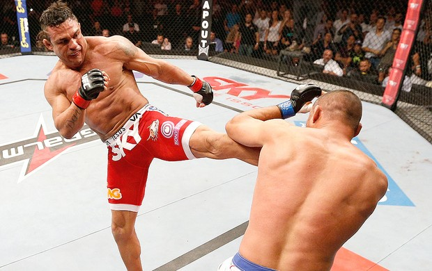 Vitor Belfort e Dan Henderson UFC Goiânia (Foto: Getty Images)