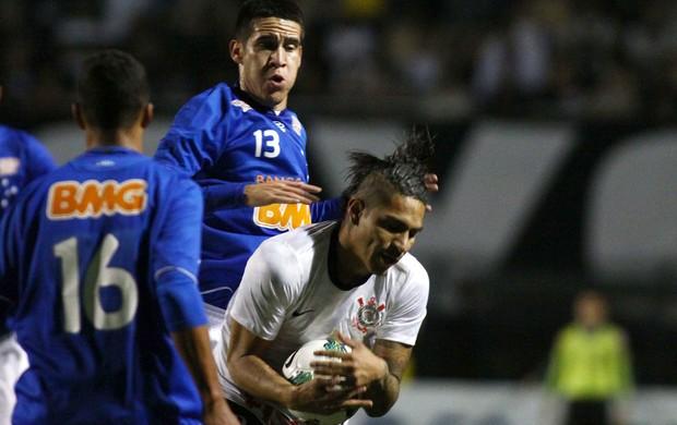 Guerrero Corinthians x Grêmio (Foto: Marcos Ribolli / Globoesporte.com)