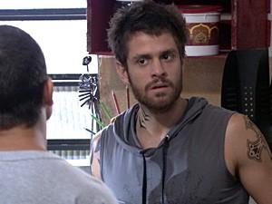 Moisés fica bolado com Jefferson (Foto: Malhação / TV Globo)