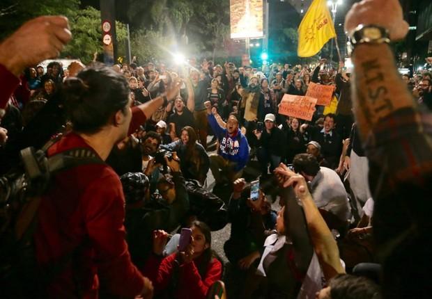 Manifestantes ocupam a Avenida Paulista pedindo Diretas Já (Foto: Paulo Pinto/Agência PT)