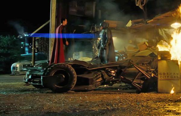 O batmóvel de Batman Vs Superman (Foto: Reprodução)