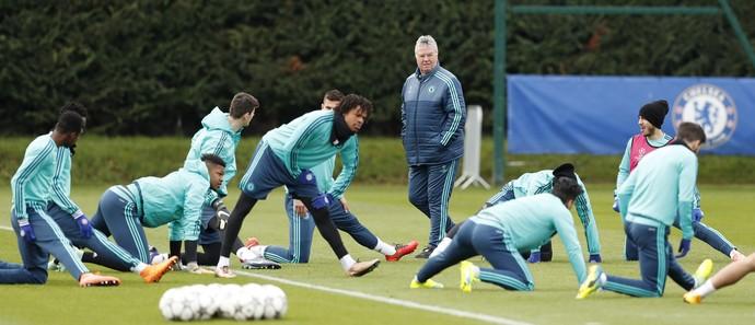 Guus Hiddink Chelsea (Foto: Reuters)