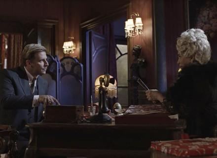 Teodoro se revolta e ameaça Lucerne em 'Tempo de Amar'