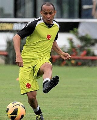 Francismar no treino do Vasco (Foto: Marcelo Sadio / Site Oficial do Vasco)
