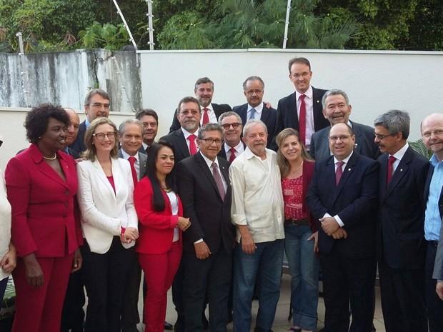 Deputados petistas em ato de apoio a Lula (Foto: Divulgação/PT na Câmara)