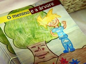 Livro de Camila Viana Gallindo lançado este mês na cadeia de Mogi Guaçu (Foto: Reprodução EPTV)