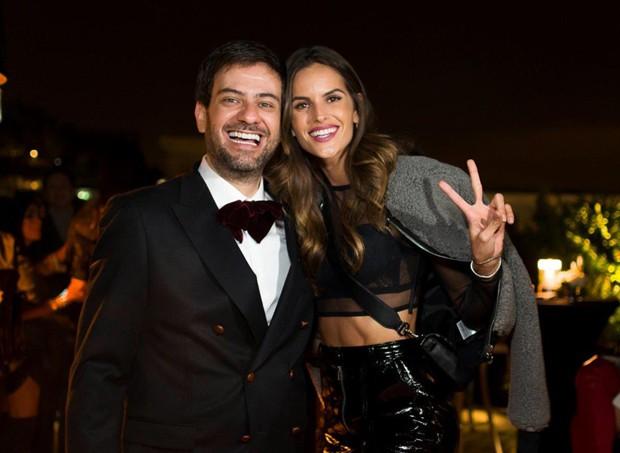 Bruno Astuto e Izabel Goulart (Foto: Romeo Balancourt)