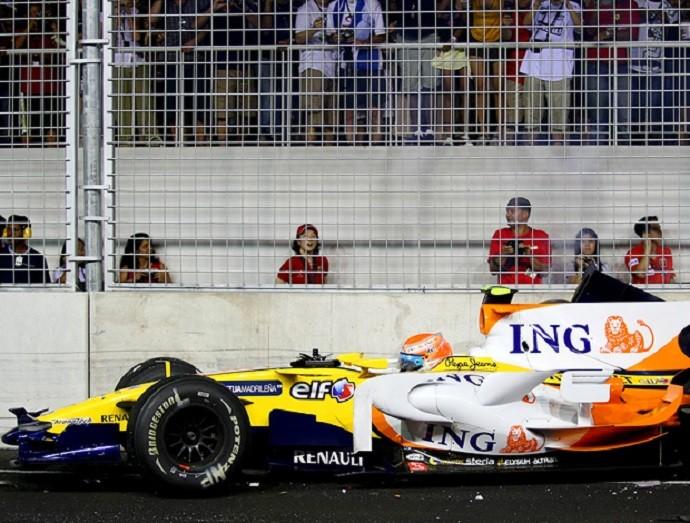 """Nelsinho Piquet no escândalo """"Cingapuragate"""", no GP de Cingapura de 2008 na Fórmula 1 (Foto: Divulgação)"""