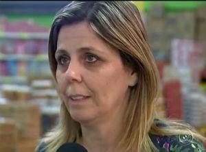 Empresária ficou emocionada com a quantidade de interessados em vaga (Foto: Reprodução/TV TEM)