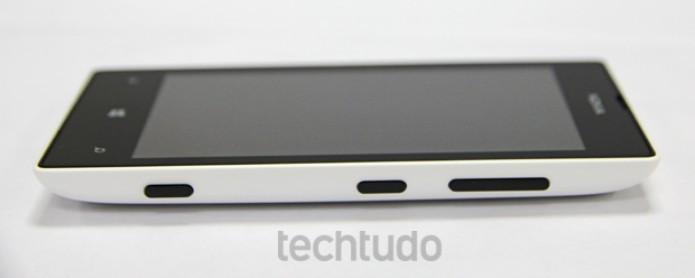 Lumia 520 é econômico, mas suficiente para uso básico (Foto: TechTudo)