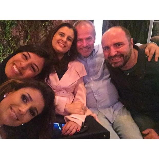 Jayme Monjardim, Paula Fernandes e amigos (Foto: Reprodução/Instagram)