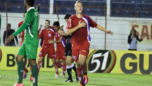 Alemão gol Guaratinguetá (Foto: Fábio Rubinato / Ag. Estado)