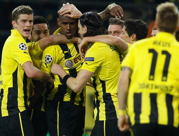 Felipe Santana comemora gol do Borussia Dortmund sobre o Shakhtar (Foto: Reuters)