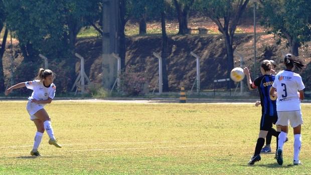 Carlinha São José Futebol Feminino Cotia (Foto: Tião Martins/ TM Fotos)