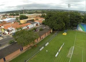 Estádio Municipal Lindolfo Monteiro (Foto: Abdias Bideh/GloboEsporte.com)