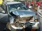Suspeitos batem carro em ponte durante perseguição policial no AC
