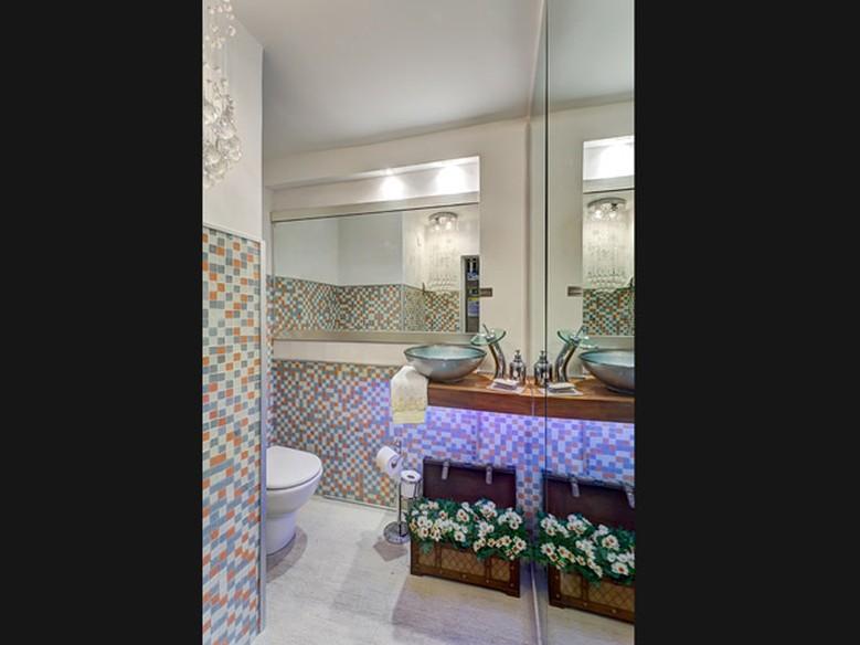 Banheiros decorados veja modelos modernos e econômicos  Casa  GNT -> Banheiros Modernos Baratos
