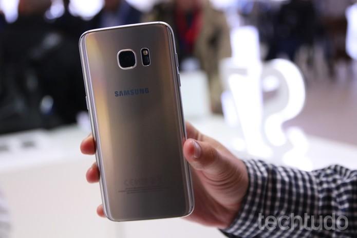 Câmera principal do Galaxy S7 Edge tem 12 MP (Foto: Thássius Veloso/TechTudo)