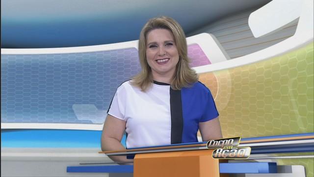 Vanessa Faro apresentando o Corpo em Ação (Foto: Reprodução / TV Tribuna)