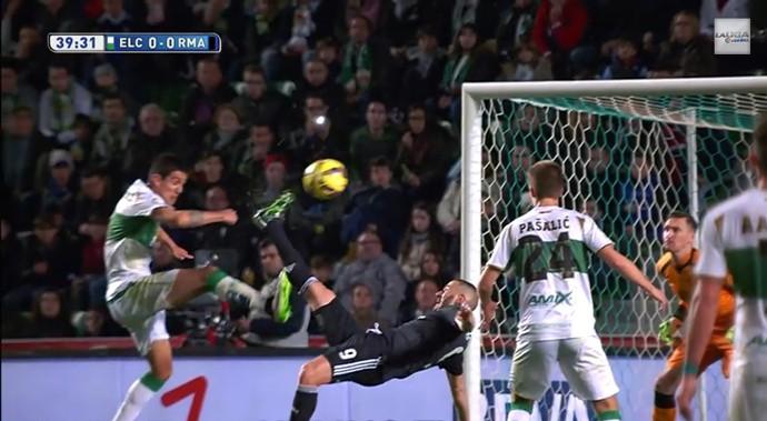 BLOG: Bicicleta mal anulada, entrada criminosa em Bale e gol de CR7: pacotão do Real