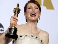Julianne Moore fatura prêmio de melhor atriz (REUTERS/Lucy Nicholson)