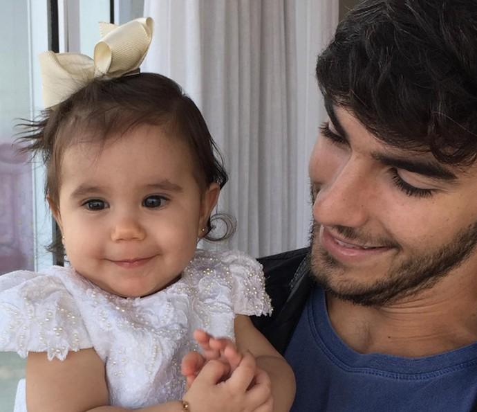 Hugo Moura com a filha Maria Flor (Foto: Arquivo pessoal)