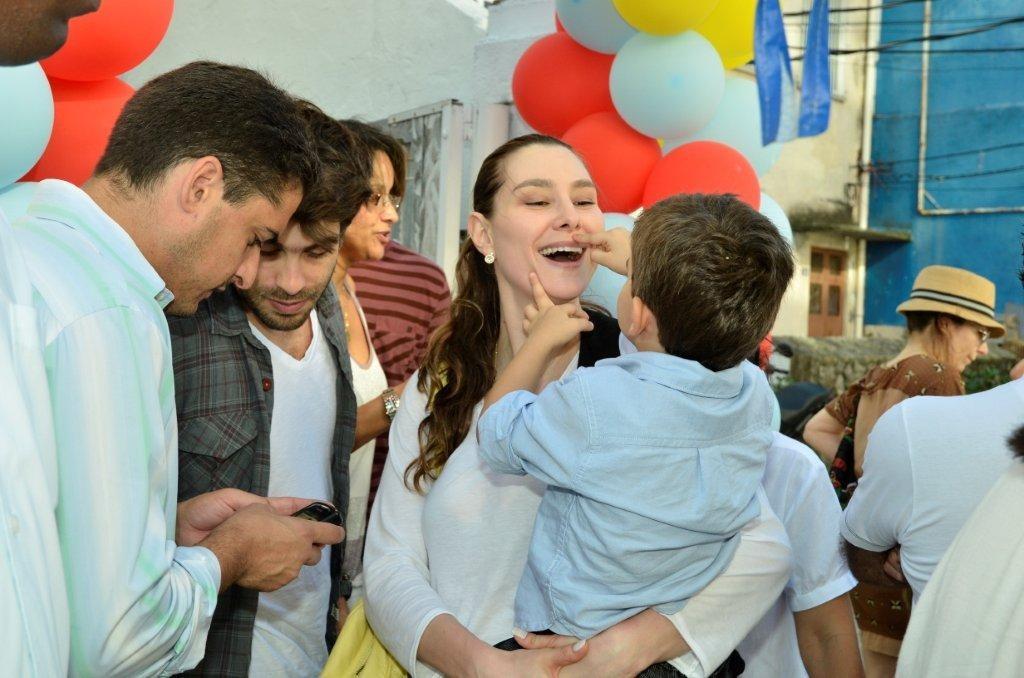Lavínia Vlasak levou o filho mais velho ao evento (Foto: Fábio Cordeiro / Revista QUEM)