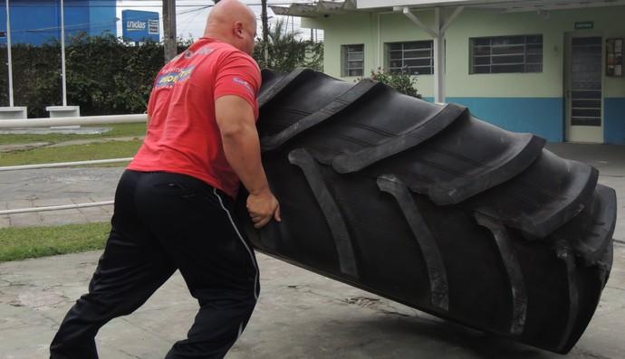 Strongman Mogi das Cruzes Brasil (Foto: Thiago Fidelix)