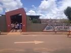 Ruas de escolas estão limpas (Magda Oliveira/G1)