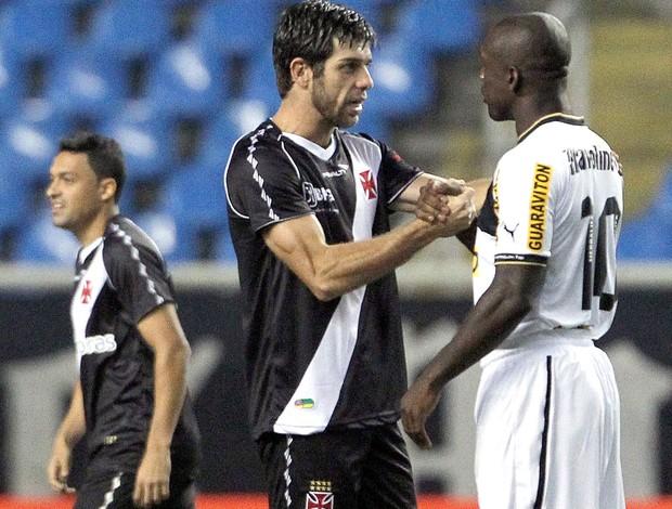 Seedorf e Juninho, Vasco x Botafogo (Foto: Jorge William / Agência o Globo)